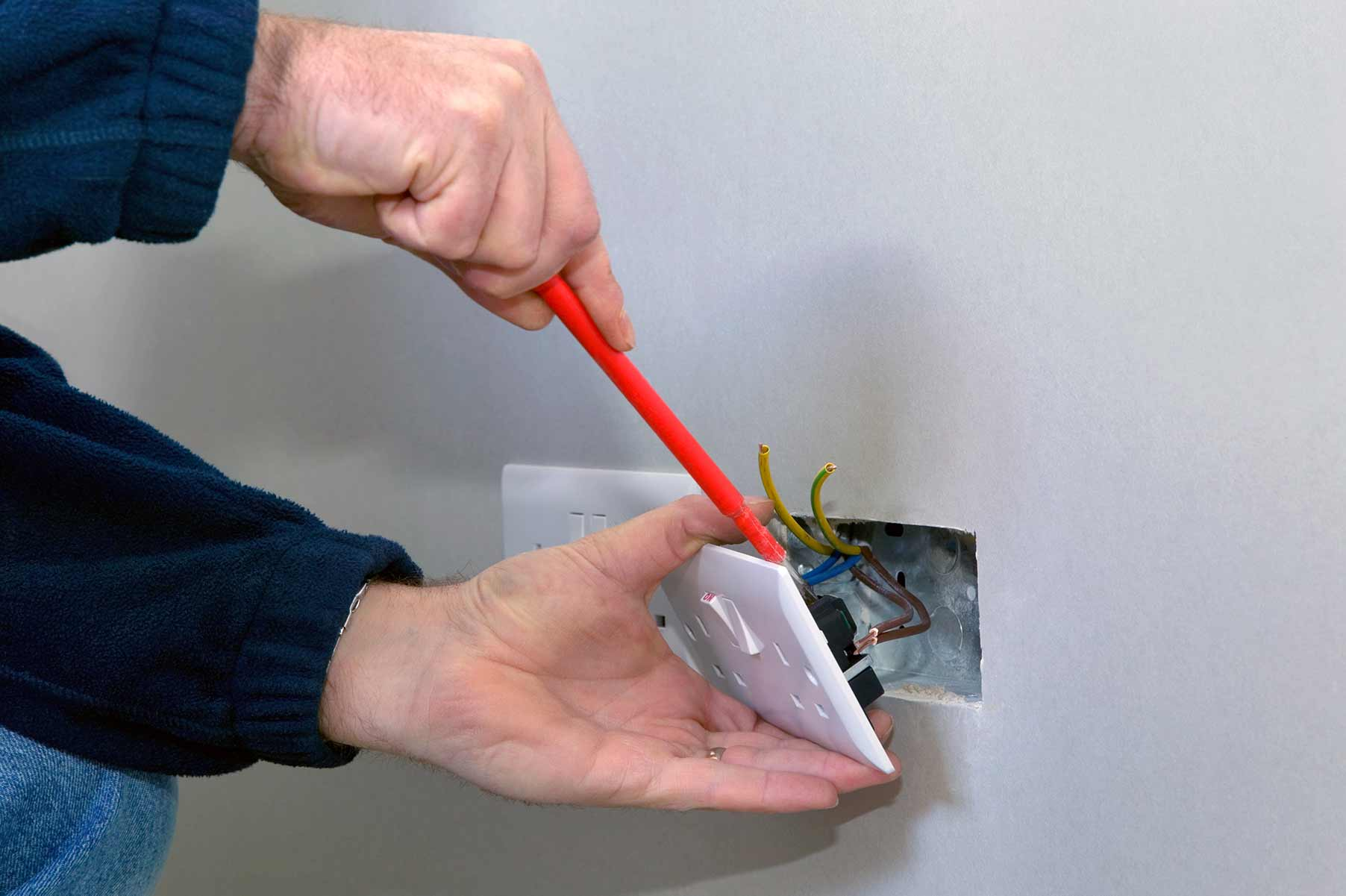 Our electricians can install plug sockets for domestic and commercial proeprties in Southgate and the local area.